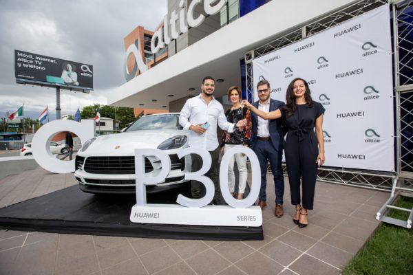 HUAWEI y ALTICE anuncian ganador del concurso del Huawei P30 y hacen entrega de una