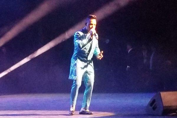 Elvis Martínez estremece la costa este de Estados Unidos con su tour Millonario
