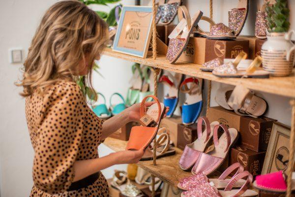 La marca de sandalias menorquinas Avarca Pons abre Showroom
